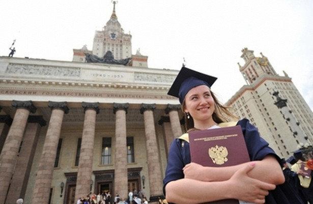 Российских выпускников реже стали брать наработу, фото-1