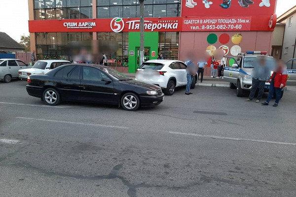В Белореченске ребенок попал под колеса автомобиля, фото-1